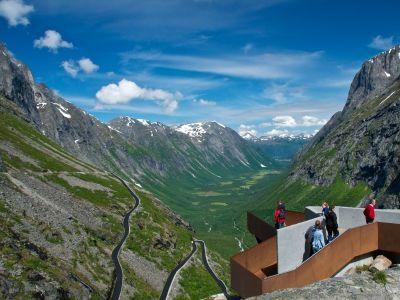 Trollstigen: spectacular mountain road with great views