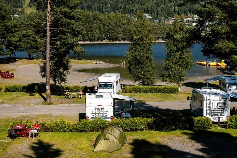 Fagernes Camping verharde plaatsen