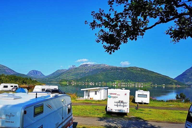 Fjordbotn Camping Kampeerplaatsen