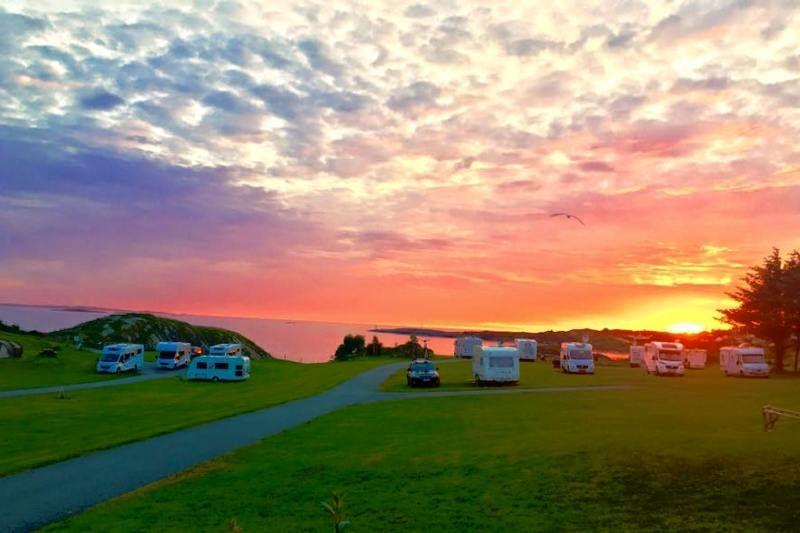 Haraldshaugen Camping ondergaande zon