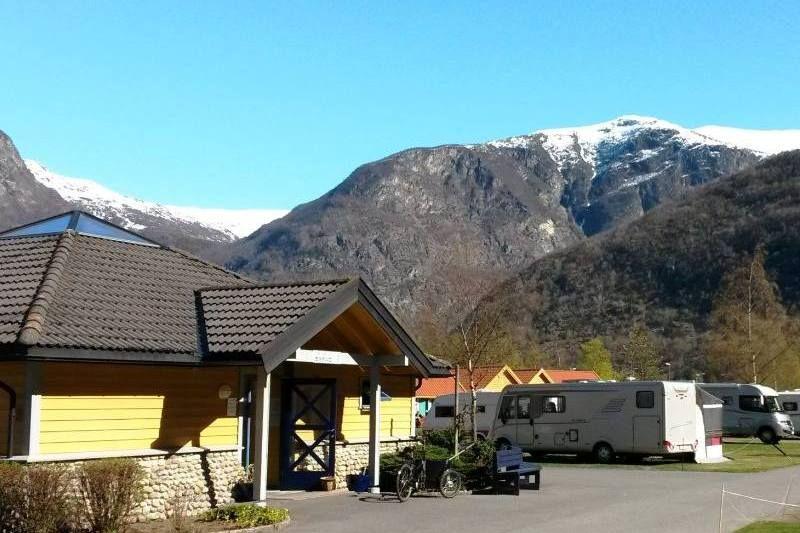 Laerdal Ferie og Fritidspark sanitair en uitzicht