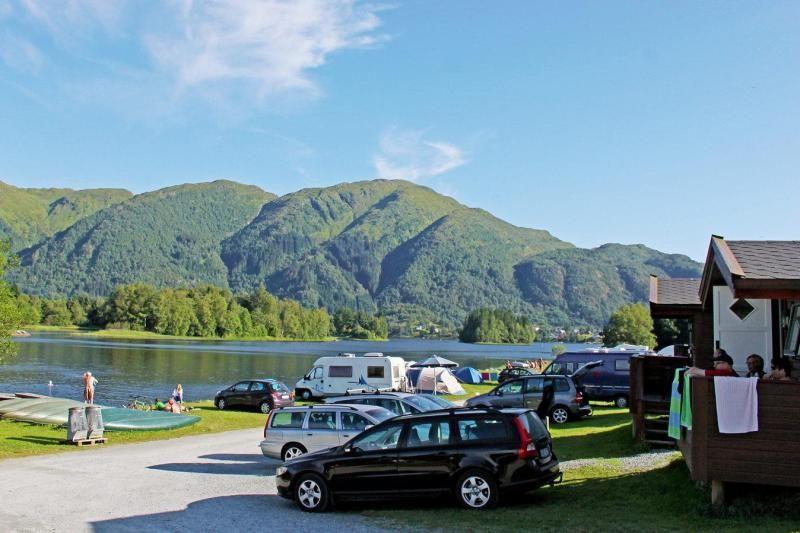 Lone Camping Bergen hytter aan het water