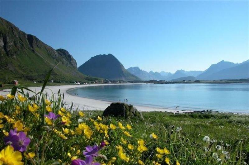 Ramberg Gjestegard strand
