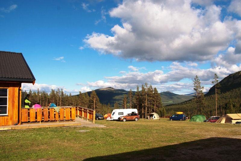 Randsverk Camping uitzicht kampeerplaatsen en hytter
