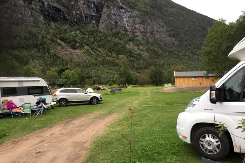 Rjukan Hytte og Caravanpark kampeerplaatsen en nieuw sanitairgebouw
