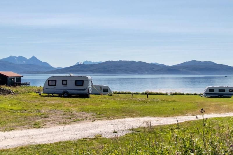 Skatvik Camping Senja ligging en uitzicht