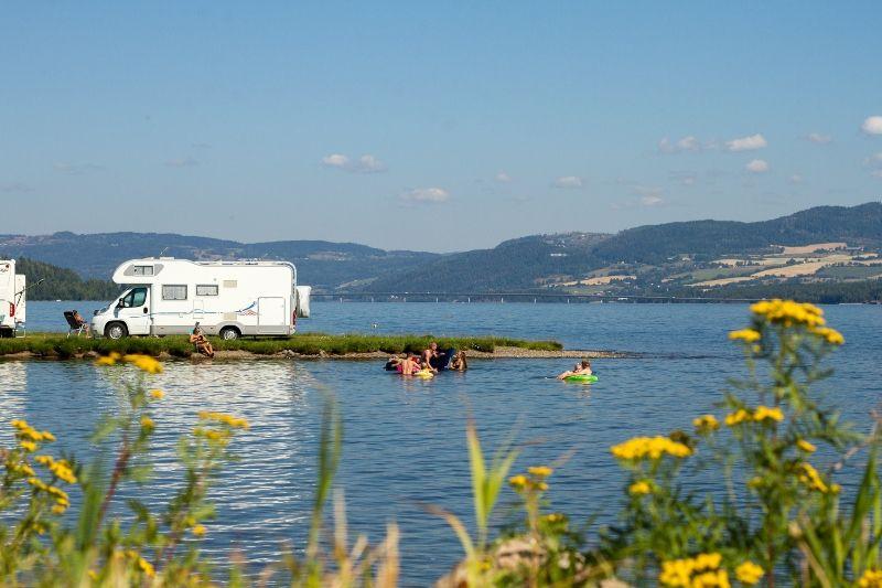 Sveastranda Camping kampeerplaatsen direct aan het water